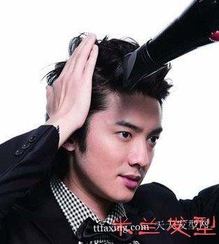 发型师一步一步教你自己打造绅士般帅气发型