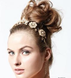 最好看的新娘发型 8款唯美的新娘发型与发饰搭配