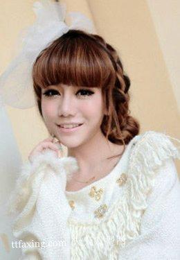 减龄刘海卖萌的中长发型是今年最流行的卷发型