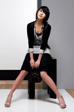 清爽而时髦的短发设计也不失女人魅力