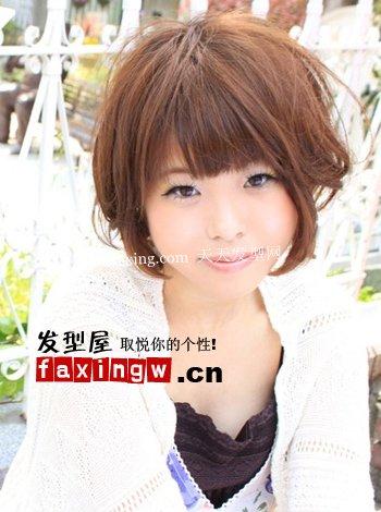 方脸型与发型的搭配+方脸型与发型设计
