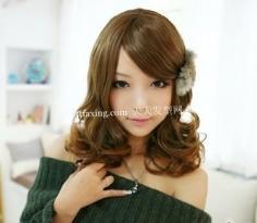 2012年必火的柔美发型~增添了优雅度