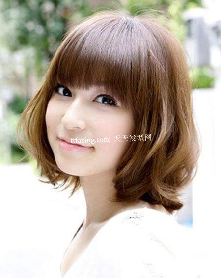 小脸流行发型~超Easy新式 最新女生发型