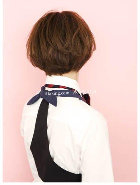 阳光短发~浪漫迷人 短发长长过程中如何打理