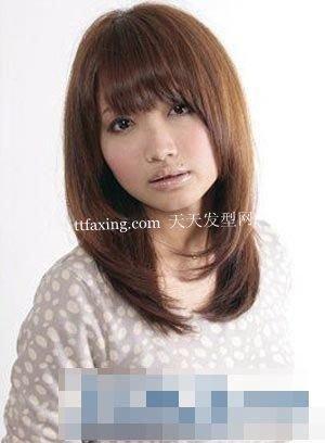 2012直发发型回潮 6款瘦脸清新浪漫发型