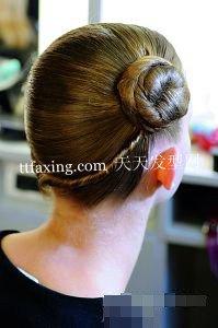 魅力麻花辫 名媛气质编辫子的发型