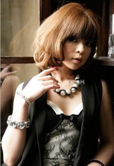 2012年日系流行减龄发型 成熟女人的福音