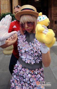 Lady Gaga的波波头发型图片 个性bobo头
