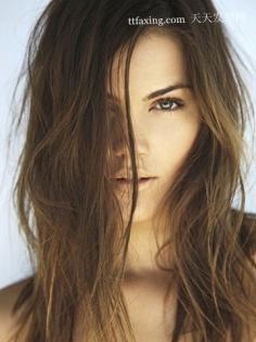 """秋冬""""赶走""""静电 让头发不再毛躁的方法"""