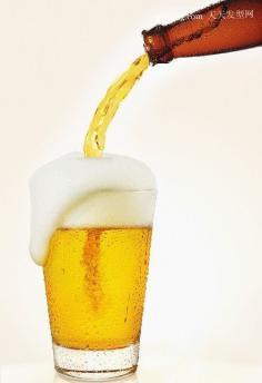 为您介绍啤酒洗头的好处以及啤酒洗头的正确方法