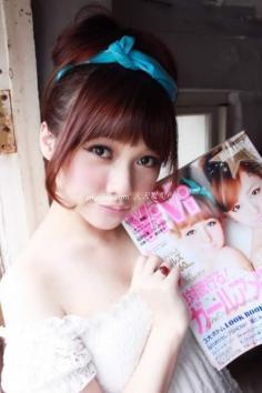 3分钟变身杂志封面菁华彩妆+百搭发型