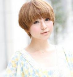 最显个性的女生锅盖头发型图片