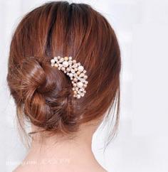 夏季优雅发型—超简单的长发盘发教程