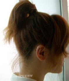 清爽可爱的短发丸子头扎法步骤介绍