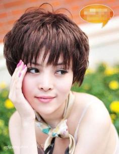 女生锅盖头发型的完美搭配