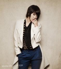 韩国女明星倾情演绎时尚短发发型