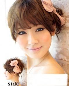各式发饰点缀发型 中发短发都甜美满分