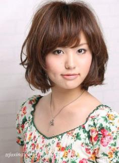 中短发波波头发型 日本4月人气深色系UP甜美指数