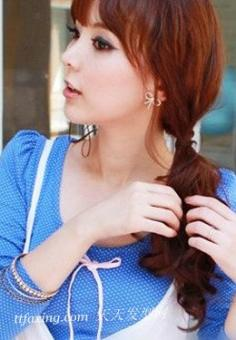 蓬松发型扎法 show出气质美女