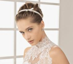 最受欢迎的高贵新娘盘发发型图片