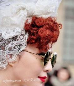 范冰冰亮相2013巴黎时装周 红唇秒杀菲林