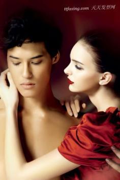 """瓷肌红唇 注入""""爱""""的美丽妆容"""