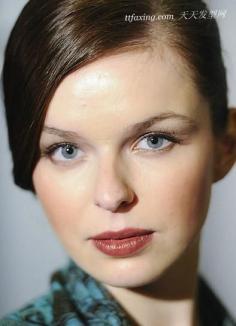 7种T台妆容 秋冬季最时髦的唇妆灵感