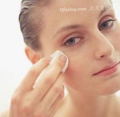 干燥天气让肌肤喝饱 自制爽肤水美容又健康