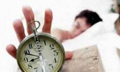 """清晨""""赖床""""有助瘦身的减肥动作"""