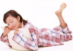 """睡前千万别吃喝,阻碍肌肤""""美容觉"""""""