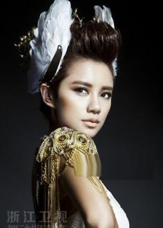 女生朋克发型图片 潮流设计时尚人士的青睐