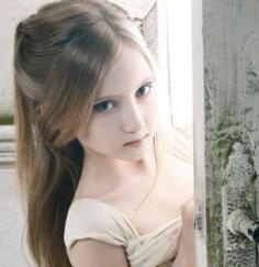 最新小女孩发型绑扎方法 全方位飙升可爱指数