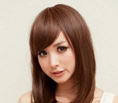 女生斜刘海发型图片欣赏 打造2014最流行的氧气美女