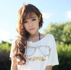 清新甜美长卷发发型图片 时尚发型绽放优雅迷人魅力