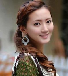 5款齐刘海编发发型图片推荐 让你尽显柔美清新气质