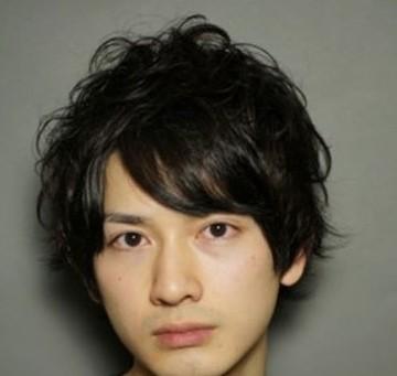 男生长方脸适合什么发型 五款发型全面提升魅力指数