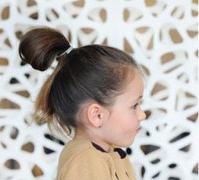 俏丽女童蝴蝶结发型 最新女童发型绑扎方法步骤图解