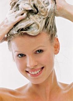 掌握正确的洗发方法 让你轻松告别头屑