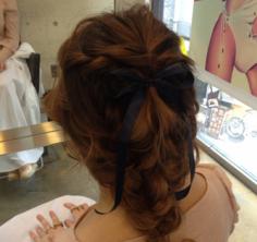 女生长发发型扎法步骤 浪漫约会的发型首选