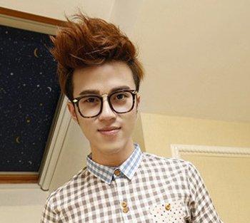 帅气短发发型烫发项链视频新年韩潮再次来袭吊坠图片的编发男生图片