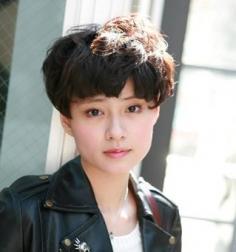 2014最新韩式短发烫发发型 人气学生头短发图片个性十足