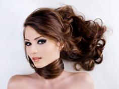 正确的头皮护理方法让你拥有健康的秀发