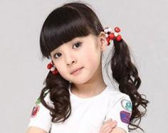 小女孩发型绑扎方法图片 儿童发型也抢镜