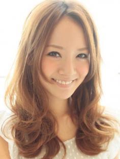 长脸适合的发型图片赏析 展现不同个性的发型魅力