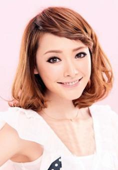 冬季甜美刘海编发 几步打造精致发型