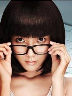 日韩可爱波波头发型 秀出你轻盈秀气的脸庞