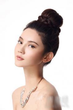 两款韩式花苞头扎法步骤图解 减龄瘦脸又修身