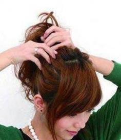 6步花苞头的扎法图解 教你如何打造清爽俏皮发型