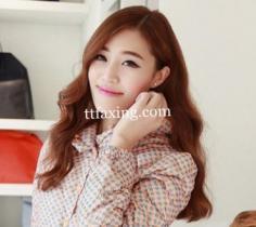 适合圆脸女生发型中长发 韩式卷发塑造迷人小V脸