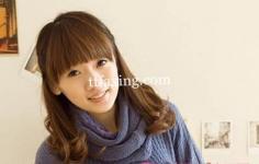 甜美齐刘海发型扎法图片 冻住年龄不是梦